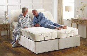 Age_UK_Buckingham_adjustable_bed