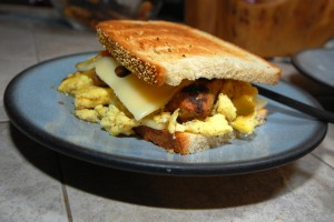 Bacon,_egg_and_cheese_sandwich